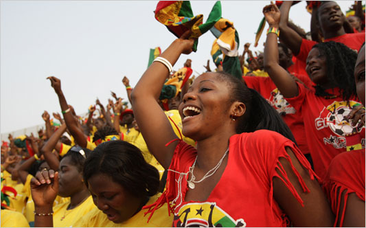 http://scissorskick.files.wordpress.com/2010/01/ghana_fans_533.jpg