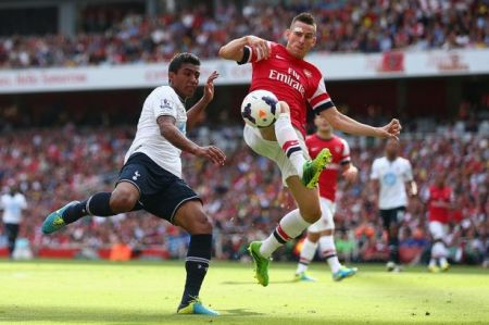 Arsenal-v-Tottenham-Hotspur-Premier-League-2244042