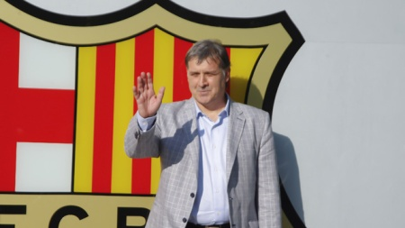 Gerardo Martino unveiled as new Barcelona manager - video