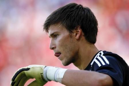 Vratar-Bayera-Fabian-Giefer-izgubio-pamcenje-nakon-sudara-s-protivnickim-igracem_ca_large