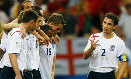 Gary Neville instructs England players in 2006