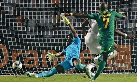 Senegals-Moussa-Sow-009