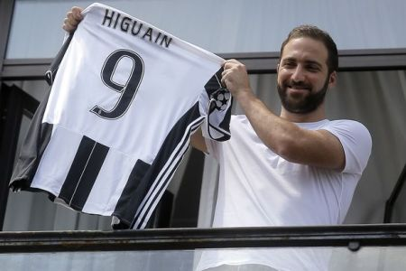 juventus-forward-gonzalo-higuain-from-a